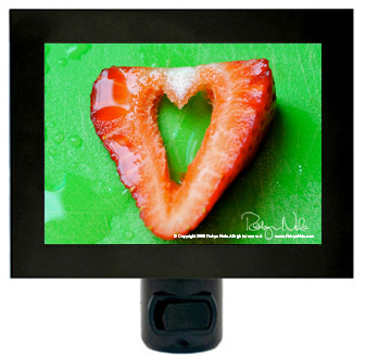 strawberry-love-heart-nightlight