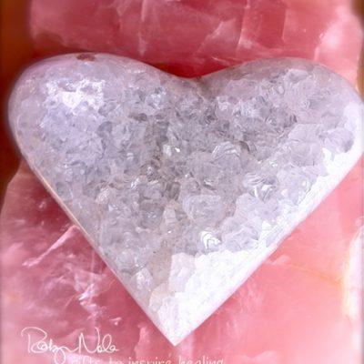quartz-gemstone-heart