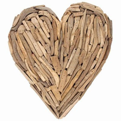 beautiful-driftwood-heart