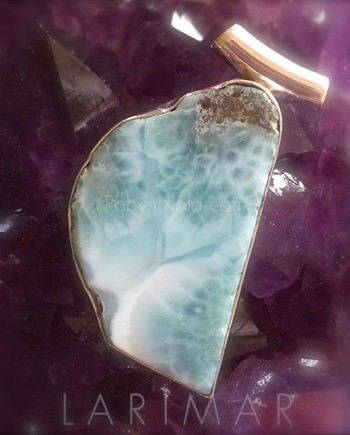 beautiful larimar pendant