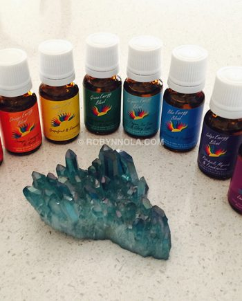 chakra-balancing-color-therapy-essentail-oil-blends